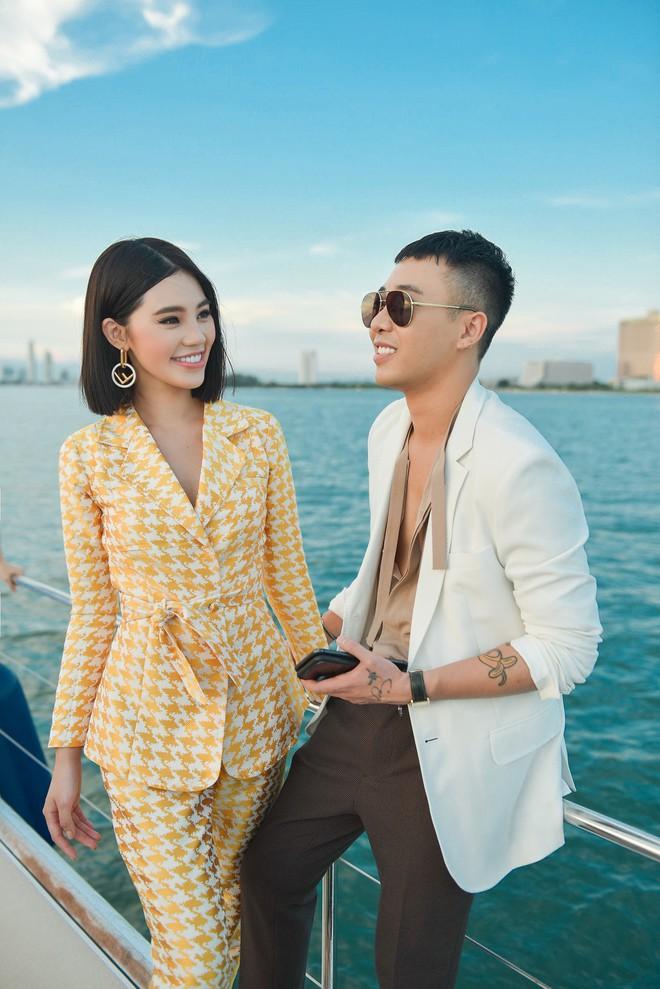 Trở về từ London, Jolie Nguyễn khoe tóc ngắn, diện đồ cá tính nổi bật trên du thuyền hạng sang ở Thái - ảnh 11