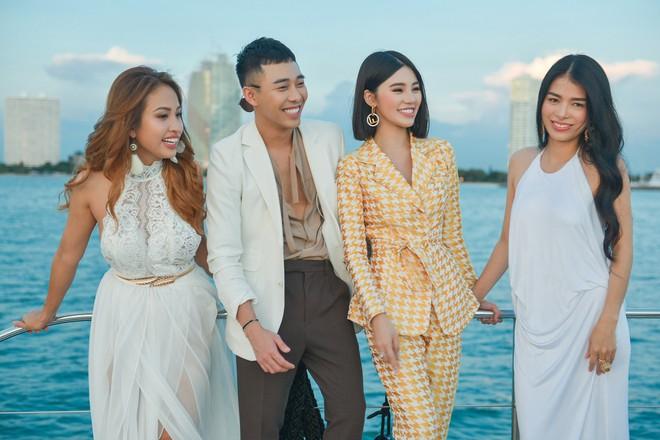 Trở về từ London, Jolie Nguyễn khoe tóc ngắn, diện đồ cá tính nổi bật trên du thuyền hạng sang ở Thái - ảnh 9