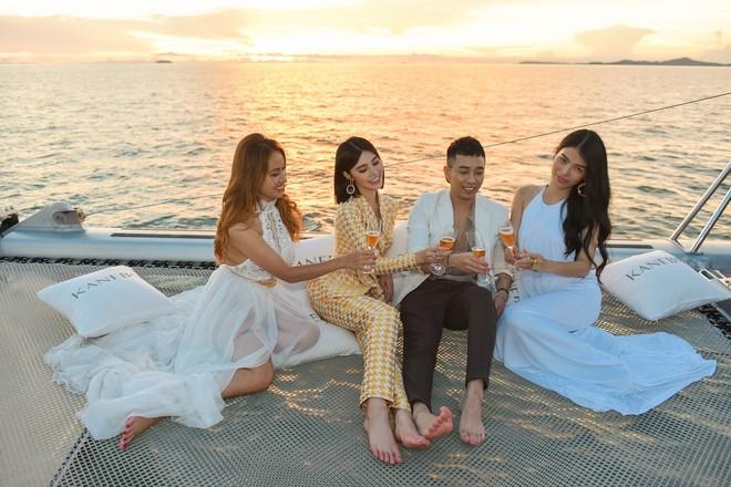 Trở về từ London, Jolie Nguyễn khoe tóc ngắn, diện đồ cá tính nổi bật trên du thuyền hạng sang ở Thái - ảnh 8