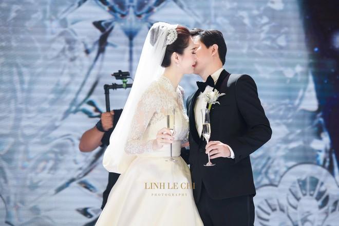 Váy cưới Nhã Phương nhìn hao hao váy cưới Hoa hậu Đặng Thu Thảo- Ảnh 9.