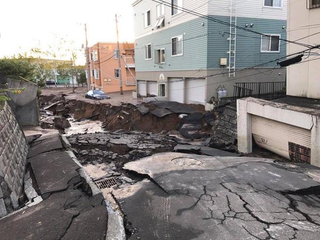 Động đất chôn vùi nhiều nhà cửa ở Nhật, du học sinh Việt đang trong tình trạng hết sức hoang mang, lo lắng - Ảnh 2.