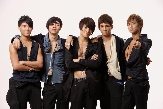 Những nhóm nhạc bán nhiều album nhất Kpop qua từng thế hệ: Gà YG vắng bóng, BTS và TWICE khiến các tiền bối ngả mũ nghiêng mình - ảnh 4