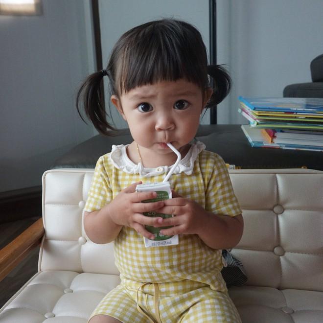 Cô bé Hàn Quốc được phong thánh khó ở của năm với loạt biểu cảm cau có gắt không chịu được! - Ảnh 3.