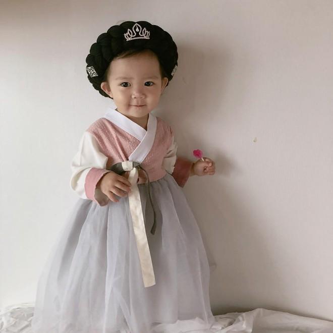 Cô bé Hàn Quốc được phong thánh khó ở của năm với loạt biểu cảm cau có gắt không chịu được! - Ảnh 4.