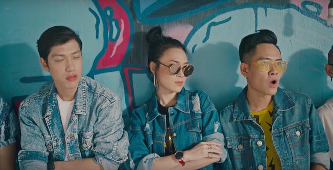 """Mỹ Tâm cực """"lầy lội"""" khi nhảy """"vũ điệu say rượu"""" trong MV mới"""