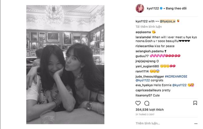 Hiếm lắm mới đăng story Instagram, Song Hye Kyo bỗng thân thiết bên người đàn ông lạ mặt - Ảnh 4.