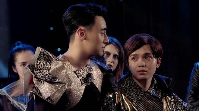 Glee Việt: Rocker Nguyễn giả gái để... xin lỗi bạn trai đồng tính khi bị đuổi khỏi nhà - Ảnh 9.