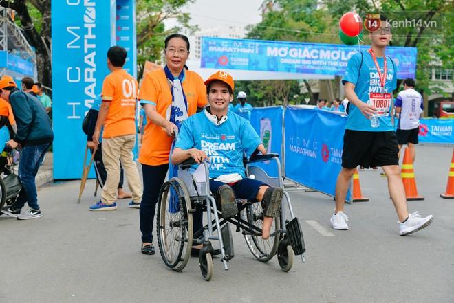 Đường đua 5km và câu chuyện vượt lên chính mình của những người khuyết tật ở Sài Gòn - ảnh 3