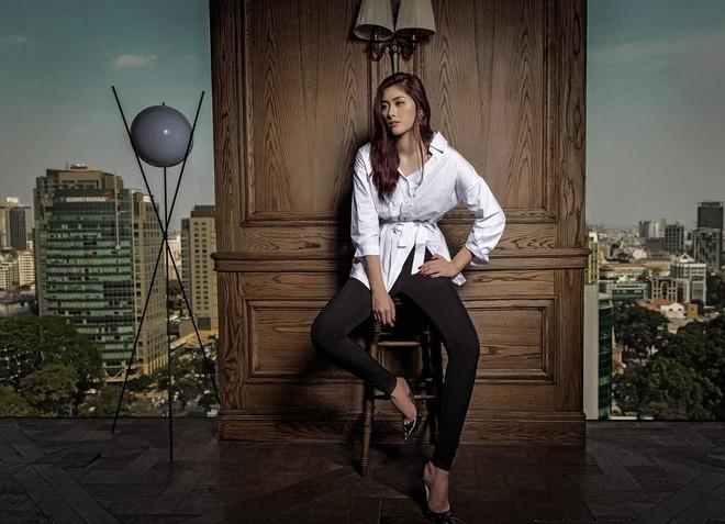 Huỳnh Tiên đầu tư loạt đồ hiệu đắt tiền cho MV quay tại Cộng hòa Séc - ảnh 9