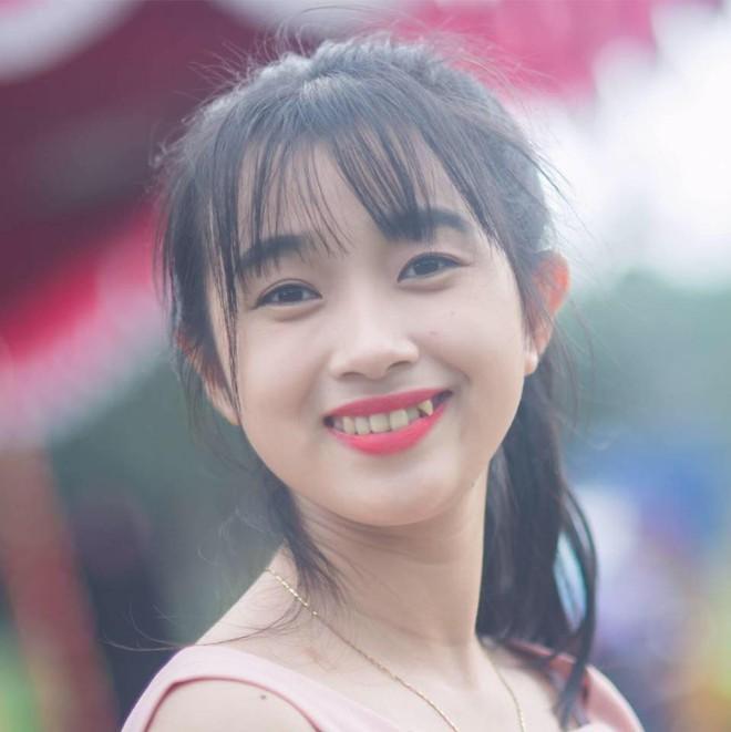 Nữ công an viên Đà Nẵng bất ngờ nổi tiếng vì xinh như hot girl - ảnh 12