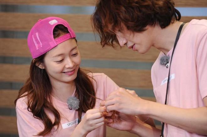 Lee Kwang Soo dính nghi án hẹn hò thành viên nữ của Running Man, Ji Suk Jin bỗng lên tiếng - Ảnh 2.