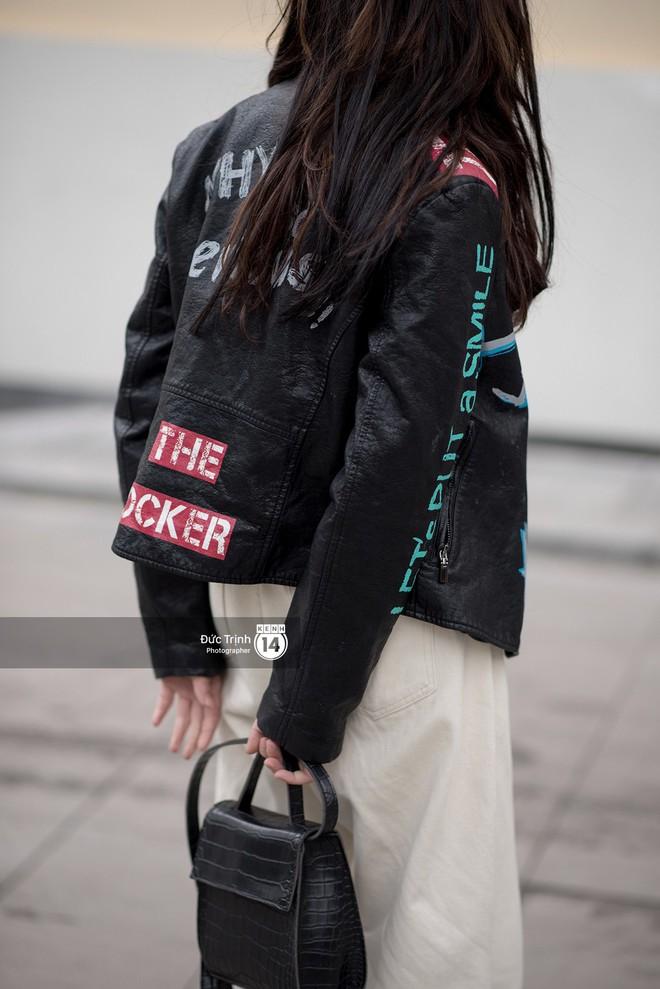 Street style giới trẻ Việt: Sài Gòn tích cực lăng xê side bag, Hà Nội vẫn mê tít mũ nồi - ảnh 14