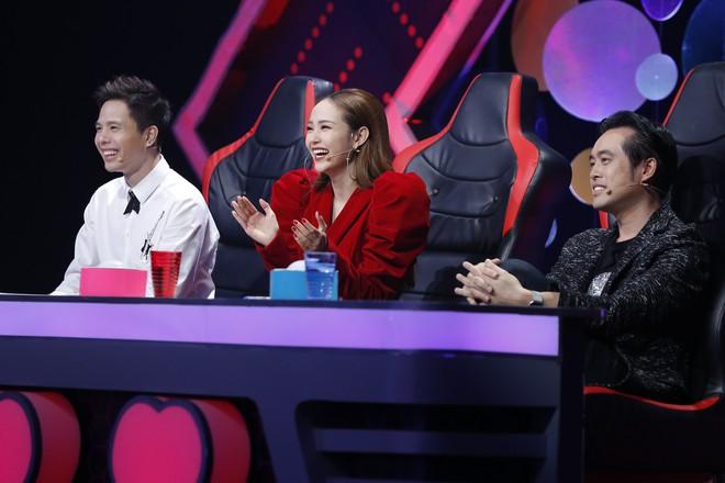 Minh Hằng ngồi ghế nóng show thực tế âm nhạc kết hợp với hẹn hò - Ảnh 1.