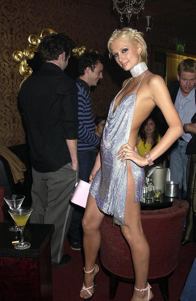 Minh Tú quá bạo, chẳng ngán mặc đầm xẻ hiểm hóc y chang Kendall Jenner lẫn Paris Hilton - ảnh 7