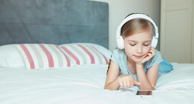 5 nguyên tắc nghe nhạc bằng tai nghe cần biết ngay nếu không muốn bị nghễnh ngãng - Ảnh 2.