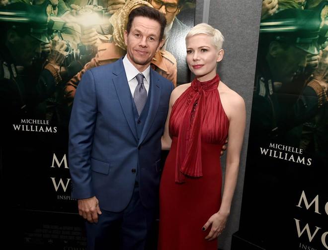 Sau scandal chênh lệch cát-xê, Mark Wahlberg quyên 1,5 triệu đô cho chiến dịch chống lạm dụng tình dục - ảnh 2