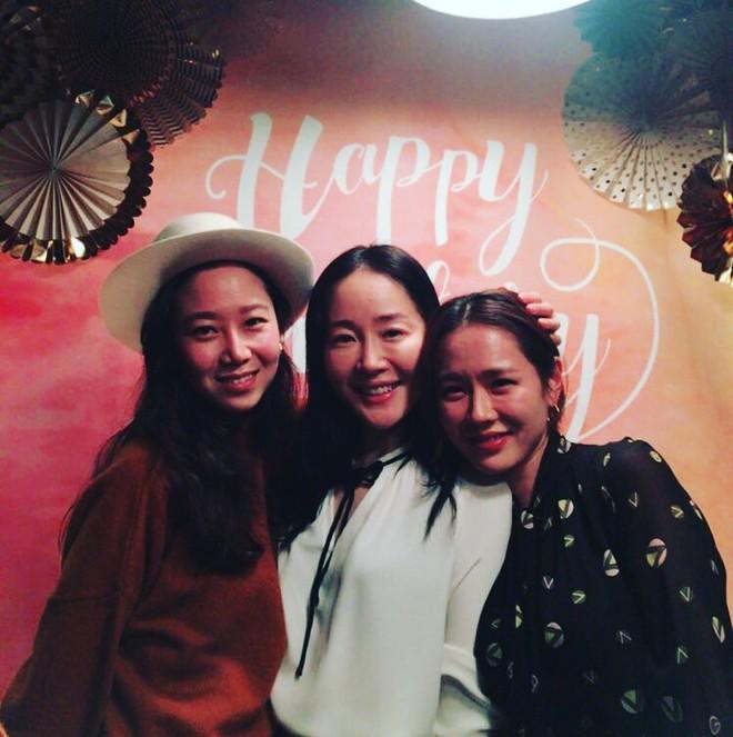 Ảnh dàn khách mời khủng trong sinh nhật nữ thần Son Ye Jin: Ngẫm ra đúng là mỹ nhân chỉ chơi với mỹ nhân - Ảnh 3.