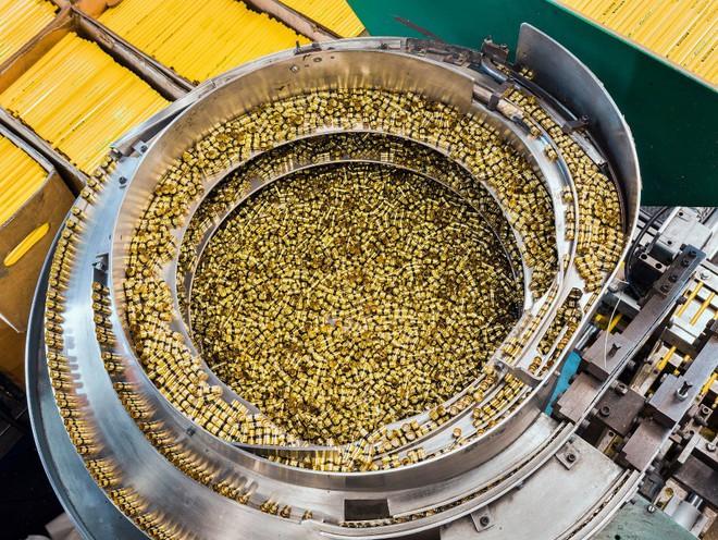 Đột nhập một trong những nhà máy sản xuất lõi bút chì cuối cùng của Mỹ, tất cả thực sự rất tuyệt vời - ảnh 9