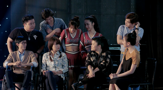 Glee Việt: Rocker Nguyễn giả gái để... xin lỗi bạn trai đồng tính khi bị đuổi khỏi nhà - Ảnh 2.