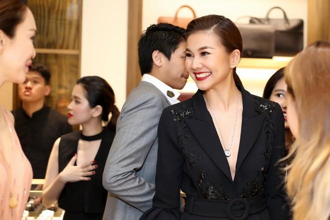 Thanh Hằng đẹp sắc sảo, đọ sắc bên Hà Tăng tại sự kiện với Lý Minh Thuận - Phạm Văn Phương - Ảnh 7.