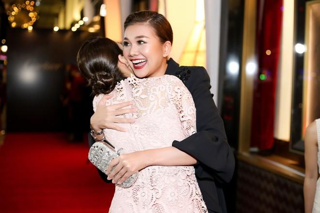 Thanh Hằng đẹp sắc sảo, đọ sắc bên Hà Tăng tại sự kiện với Lý Minh Thuận - Phạm Văn Phương - Ảnh 4.