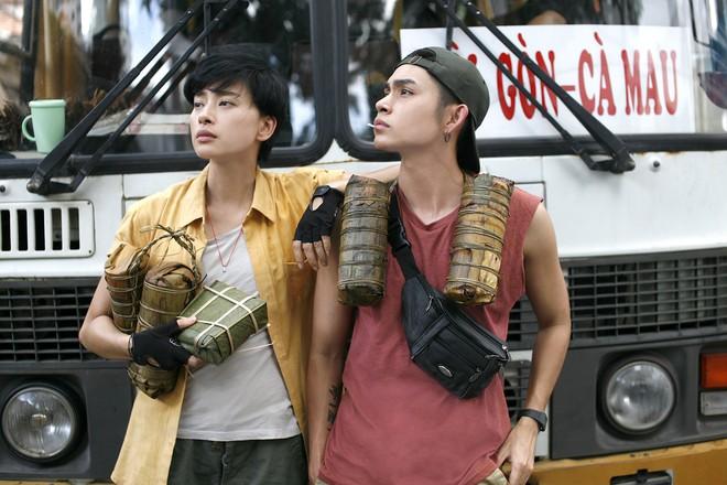 Chuyển nghề làm lơ xe, nhìn chị Đậu Xanh Ngô Thanh Vân còn soái hơn Jun Phạm - ảnh 2