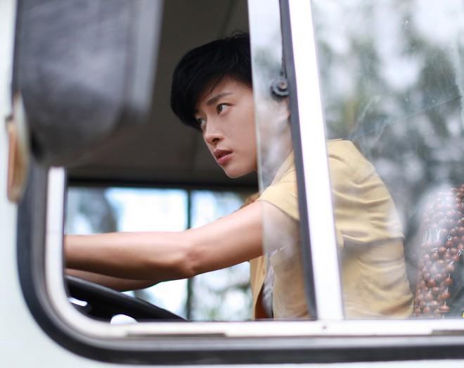Chuyển nghề làm lơ xe, nhìn chị Đậu Xanh Ngô Thanh Vân còn soái hơn Jun Phạm - ảnh 4