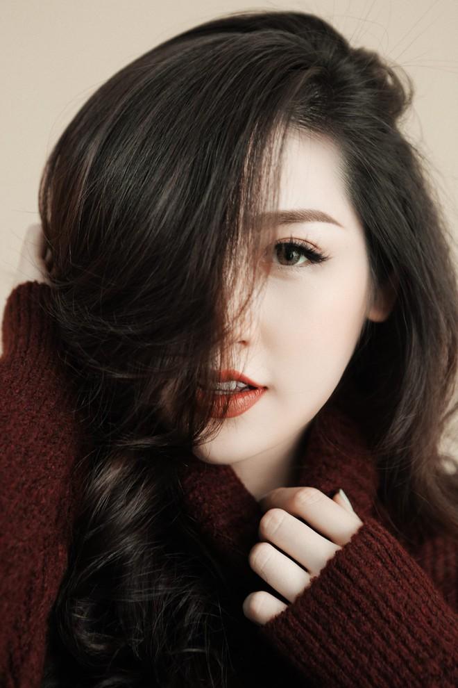 Loạt ảnh Á hậu Tú Anh khoe nhan sắc rạng rỡ ở tháng cuối thai kì - Ảnh 5.