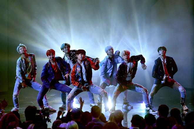 Lại một lần nữa EXO là nhóm đạt được cột mốc khủng này đầu tiên chứ không phải BTS! - Ảnh 4.