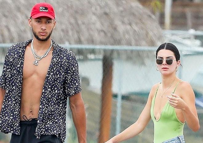 Sau scandal thảm họa quảng cáo, Kendall Jenner lại gây sốt với cảnh mặc bikini siêu nóng bỏng - Ảnh 7.