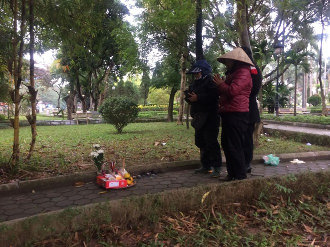 Cô gái bán khỏa thân tử vong trong vườn hoa Hà Nội bị AIDS giai đoạn cuối - Ảnh 2.