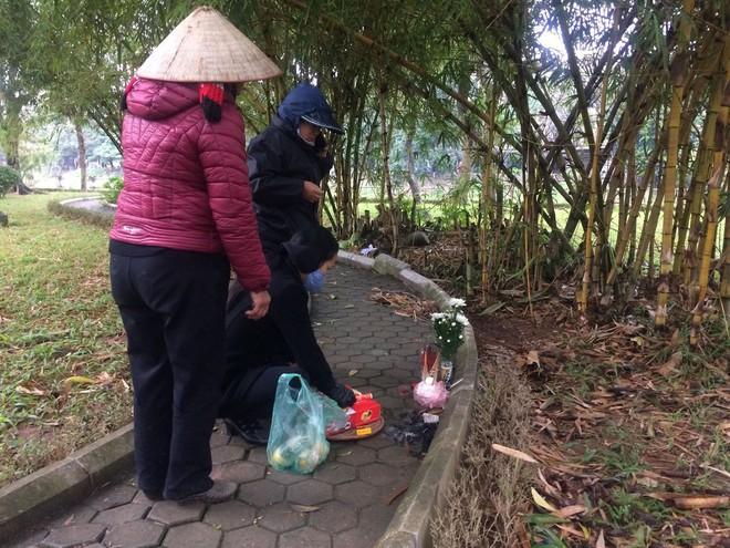 Cô gái bán khỏa thân tử vong trong vườn hoa Hà Nội bị AIDS giai đoạn cuối - Ảnh 1.