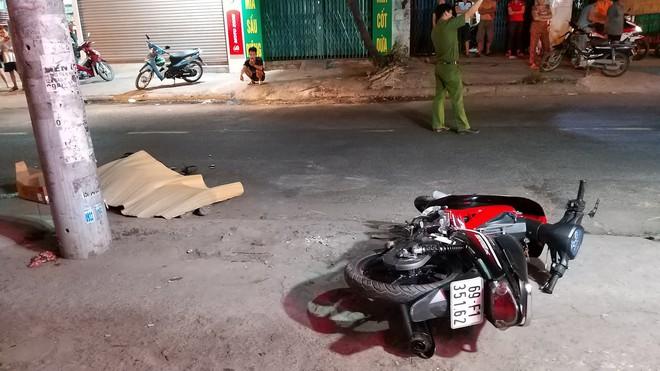 TP. HCM: Xe container bỏ chạy sau khi tông chết nam công nhân đang đi làm về - Ảnh 1.