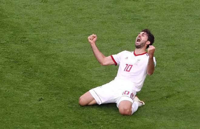 Tiền đạo Iran từng sút tung lưới Bồ Đào Nha ở World Cup coi trận đấu với Việt Nam như trận chung kết - Ảnh 1.