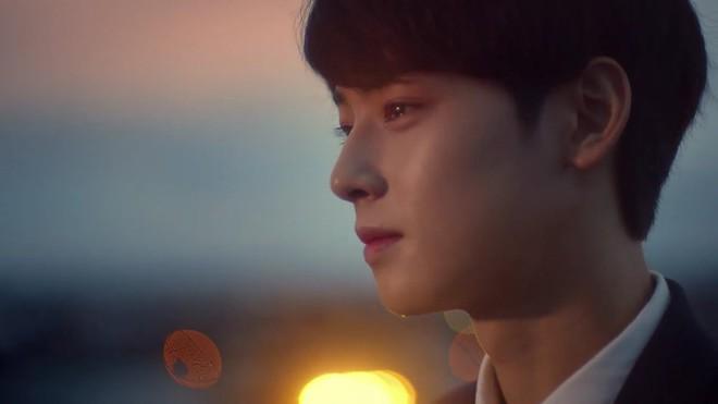 Top khoảnh khắc nước mắt kim cương huyền thoại của idol Kpop: Mỹ nhân TWICE đã nổi tiếng sau 1 đêm nhờ rơi lệ - Ảnh 8.