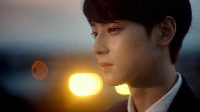 Top khoảnh khắc nước mắt kim cương huyền thoại của idol Kpop: Mỹ nhân TWICE đã nổi tiếng sau 1 đêm nhờ rơi lệ - Ảnh 7.