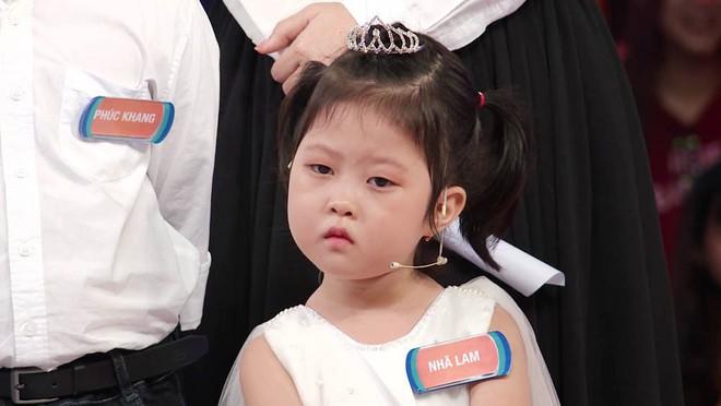Trấn Thành phấn khích khi gặp lại Cô bé triệu view có gương mặt hờn cả thế giới - Ảnh 4.