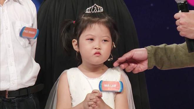 Trấn Thành phấn khích khi gặp lại Cô bé triệu view có gương mặt hờn cả thế giới - Ảnh 5.