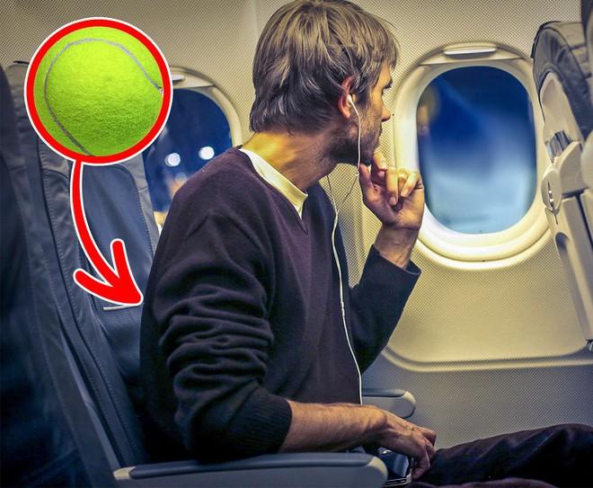 4 bí quyết giúp trải nghiệm đi máy bay của bạn được thoải mái nhất có thể - Ảnh 1.