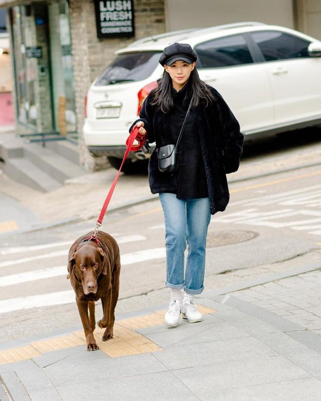 Mê phong cách đơn giản, bụi bặm hay chanh xả thì bạn cũng sẽ bỏ túi được cả rổ gợi ý từ street style Hàn - ảnh 3
