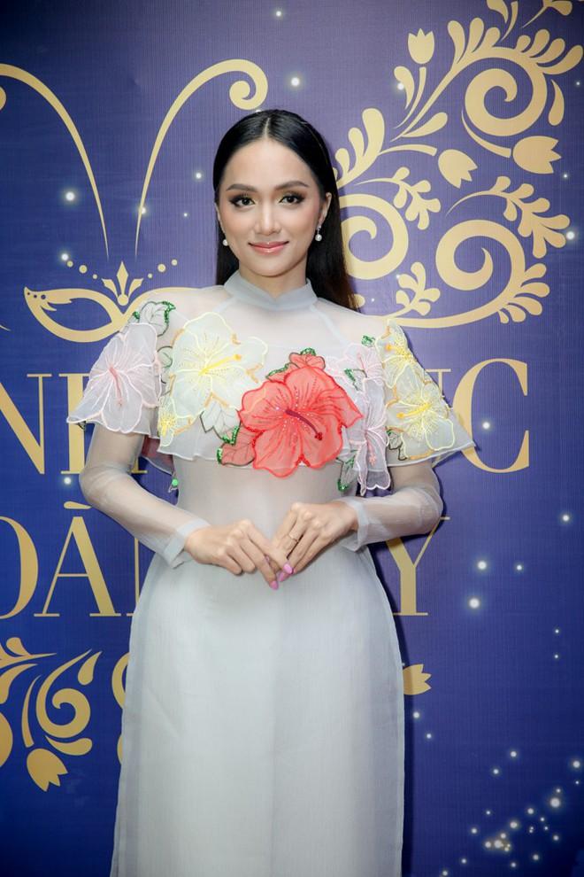 Đây là cô gái kế vị Hương Giang tham gia Hoa hậu Chuyển giới Quốc tế 2019! - Ảnh 10.