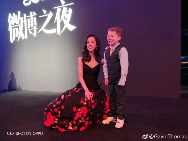 Cậu bé meme đi dự sự kiện lớn ở Trung Quốc, cả dàn sao đình đám thi nhau xin chụp ảnh chung - Ảnh 5.