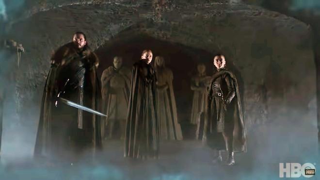 Teaser Game of Thrones Mùa 8 vừa ra mắt, fan đã soi ngay được 5 chi tiết bí ẩn - ảnh 5