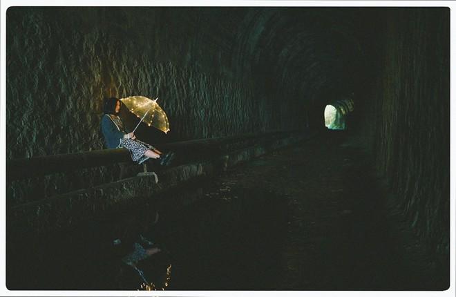Đường hầm xe lửa Đà Lạt đẹp chẳng phác gì phim Em sẽ đến cùng cơn mưa được dân tình ầm ầm kéo đến check-in - ảnh 7