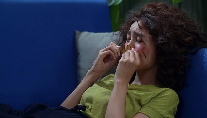 Thuỳ Chi rơi nước mắt khi thể hiện bản ballad lụi tim trong phim Mối tình đầu của tôi - ảnh 2