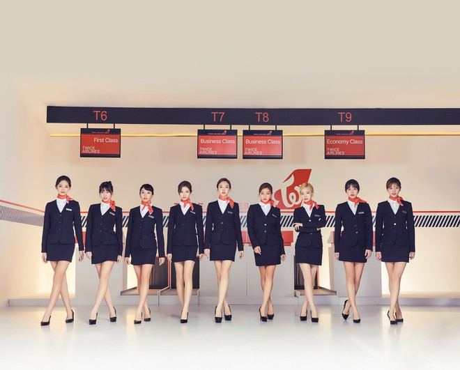 Hóa thân theo hình ảnh tiếp viên hàng không, liệu Twice có đáng để bị chỉ trích? - ảnh 2