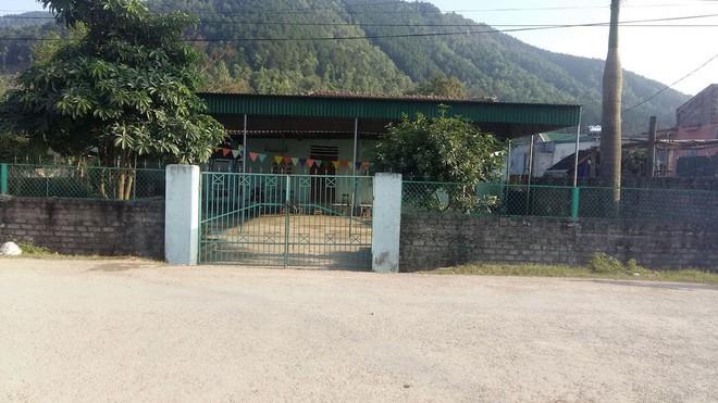 Chạy ra cổng trường mầm non, bé gái 4 tuổi bị xe tải tông tử vong thương tâm - Ảnh 1.