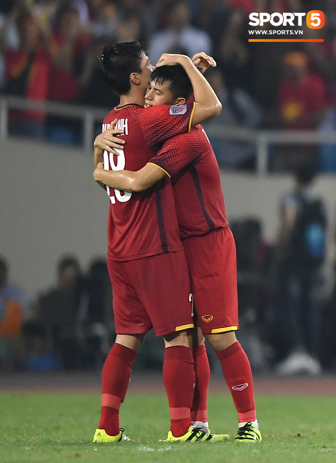 Lần đầu tiên 2 chàng ngự lâm Duy Mạnh - Đình Trọng cùng vắng bóng trong đội hình tuyển Việt Nam - ảnh 2