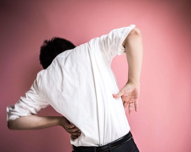 Đau vùng thắt lưng có thể là dấu hiệu cảnh báo một trong những vấn đề sức khỏe nguy hại sau - ảnh 1