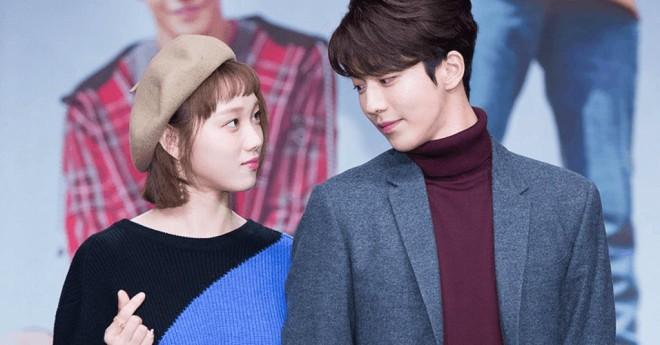 Muôn kiểu phim giả tình thật trên màn ảnh Hàn, kẻ mặt dày cầm cưa, người tranh thủ cưới lẹ - Ảnh 6.